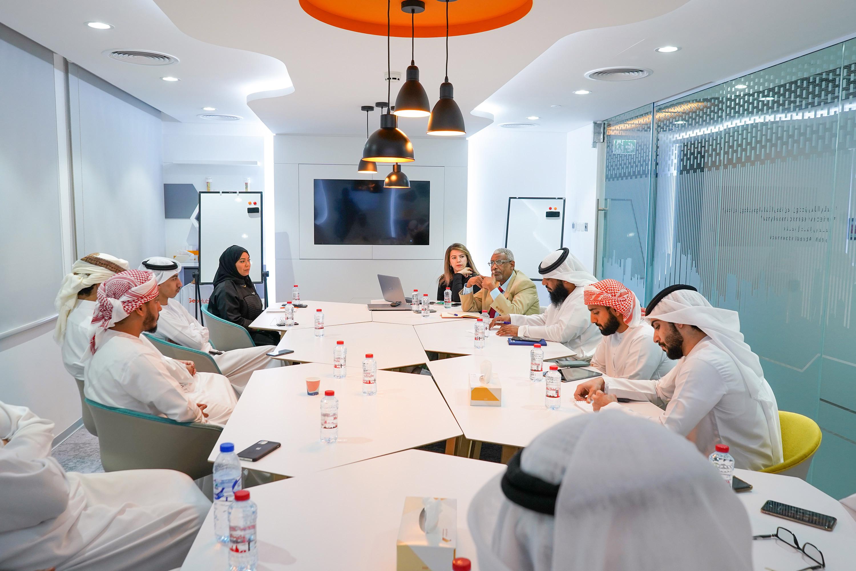 طلاب جامعة الإمارات يستلهمون أفكار لمشاريع التخرج من داخل مركز نظم المعلومات الجغرافية فبراير 2020
